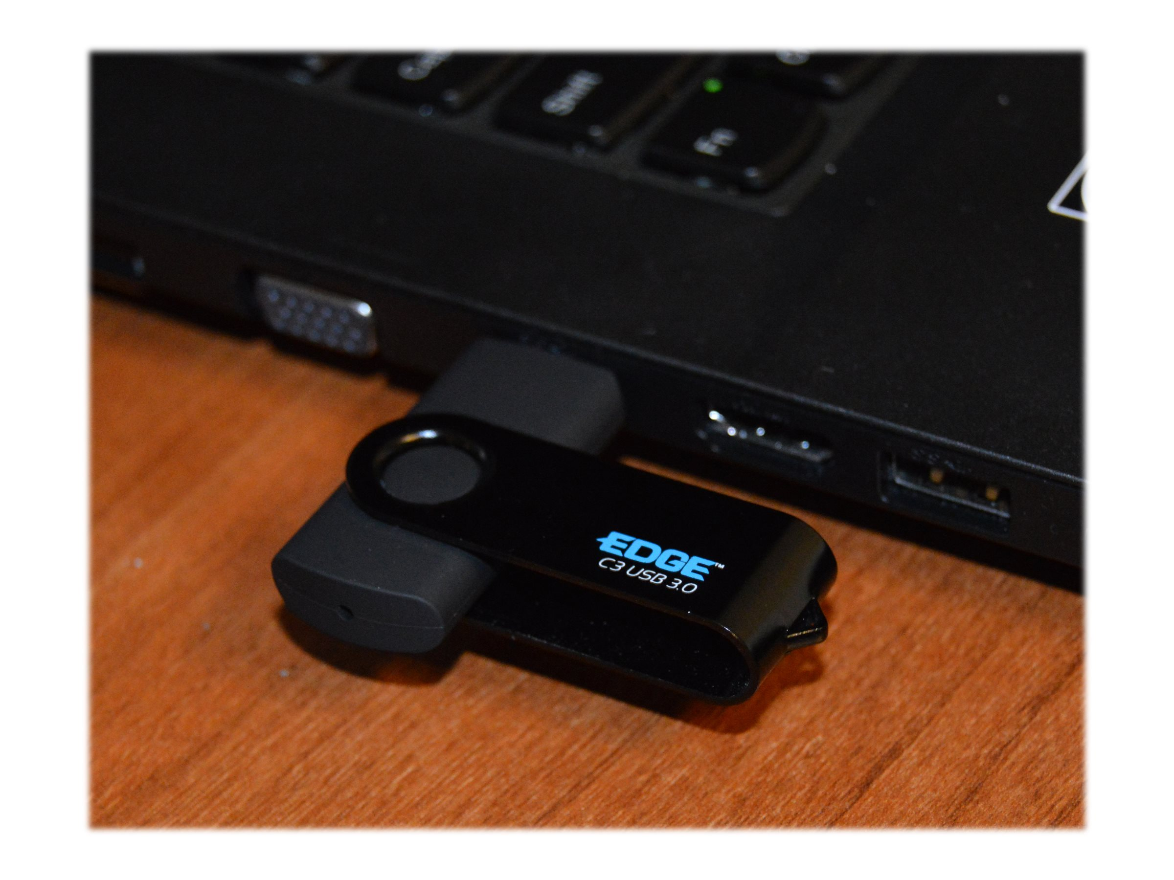 Edge 32GB C3 Secure USB 3.0 Flash Drive